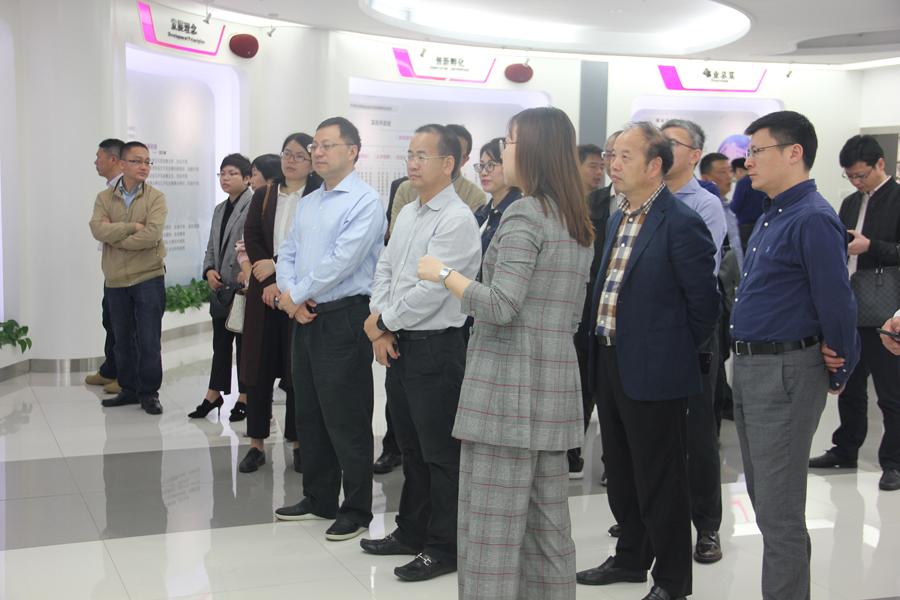上海市奉贤区副区长率考察团到访力合科创集团